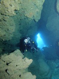 沖縄 ダイビング 糸満 地形